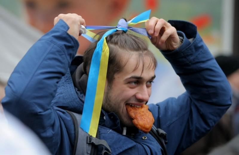 У частники блокады Донбасса: Победим Россию песнями и вышиванками