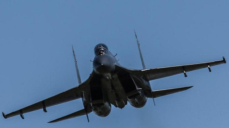Перехват над Венесуэлой: Су-30 отогнал американского шпиона как-то очень по-русски