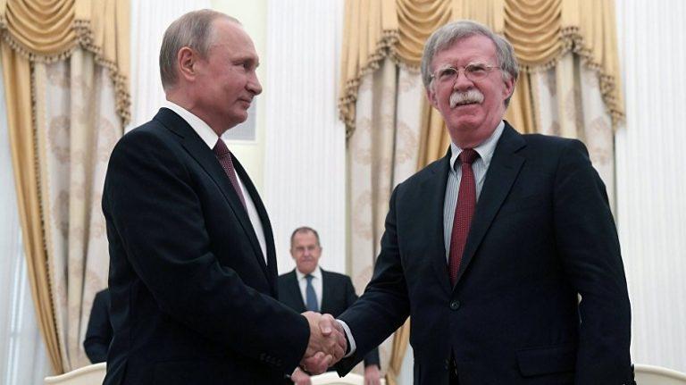 Кремль рассказал о тональности беседы Путина и Болтона